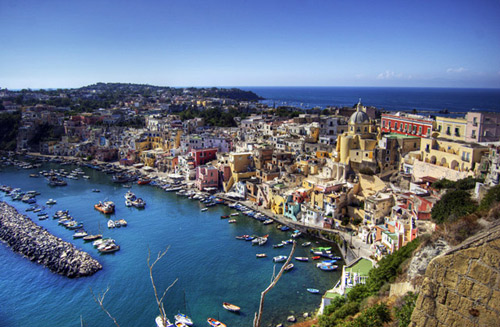 Культура Неаполя пышная и красочная